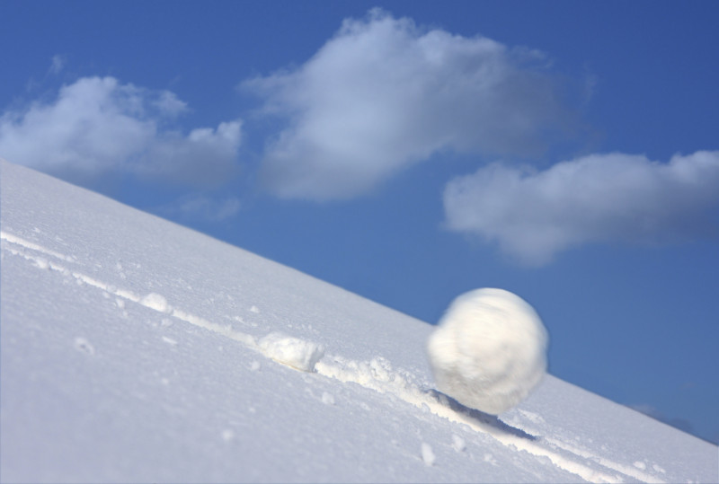 Rolling snowball_ snowball effect Chess blog by grandmasters chessmood