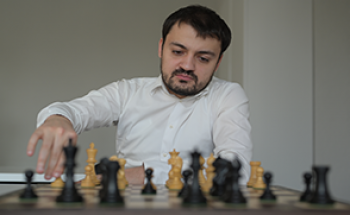 "GM Andriasian will be playing and commenting ""ChessMood Weekly Tournament"" on chess.com"